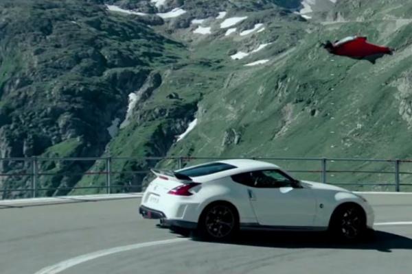 极限运动热血燃爆短片《翼装侠和跑车的死亡竞速》